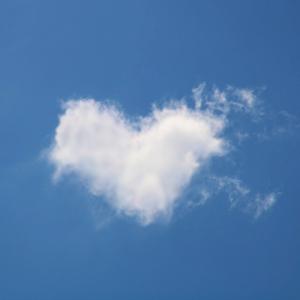 manifesting cloud to heart shape